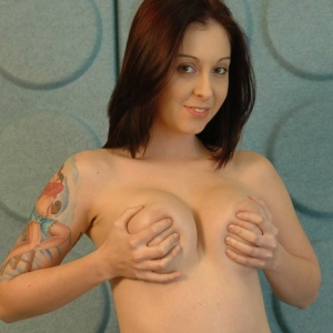 Cassie Leanne cant stop from playing with her big juicy tits